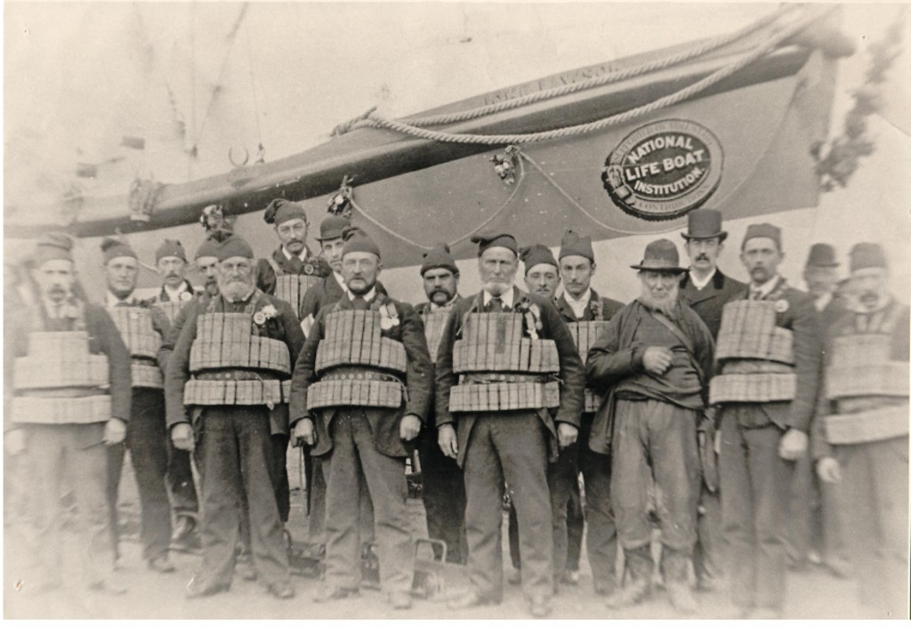 r-n-l-i-lifeboat-john-lawson-and-crew_la